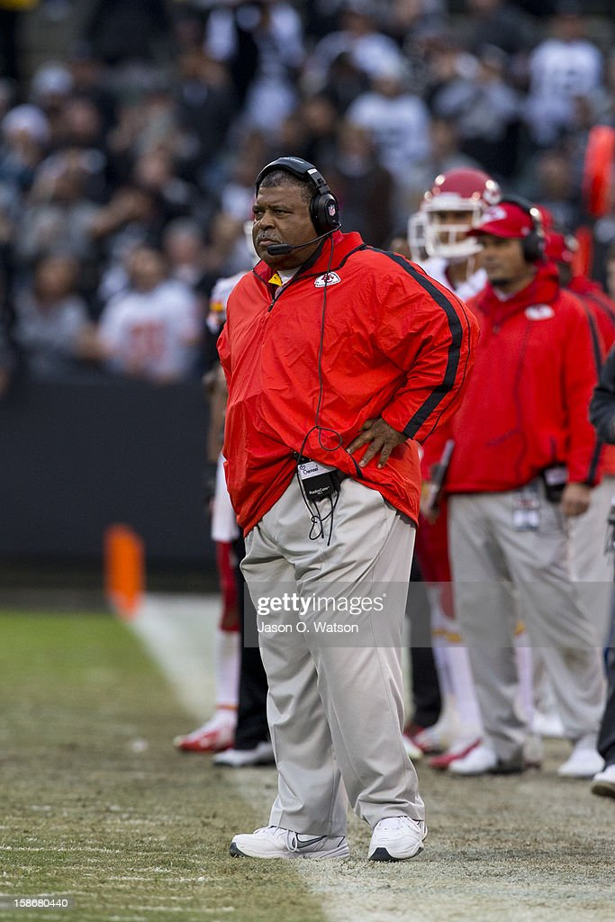 Head coach Romeo Crennel of the Kansas City Chiefs on the sidelines against the Oakland Raiders during the third quarter at O.co Coliseum on December 16, 2012 in Oakland, California. The Oakland Raiders defeated the Kansas City Chiefs 15-0. Photo by Jason O. Watson/Getty Images)