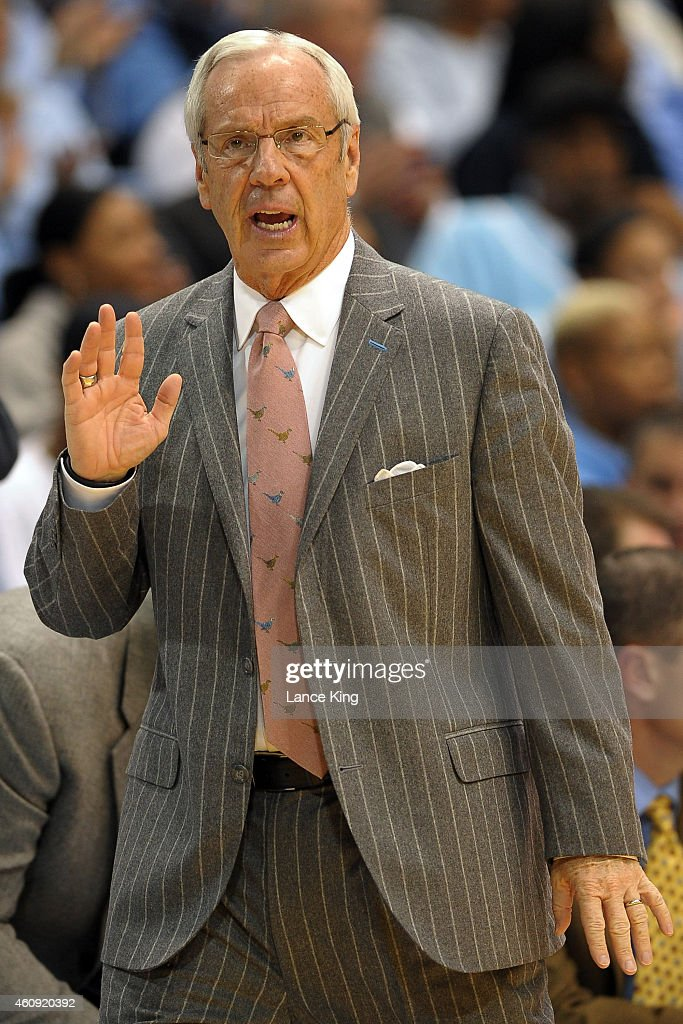 Head Coach <a gi-track='captionPersonalityLinkClicked' href=/galleries/search?phrase=Roy+Williams+-+Allenatore&family=editorial&specificpeople=5086044 ng-click='$event.stopPropagation()'>Roy Williams</a> of the North Carolina Tar Heels reacts following a play during their game against the William & Mary Tribe at the Dean Smith Center on December 30, 2014 in Chapel Hill, North Carolina.