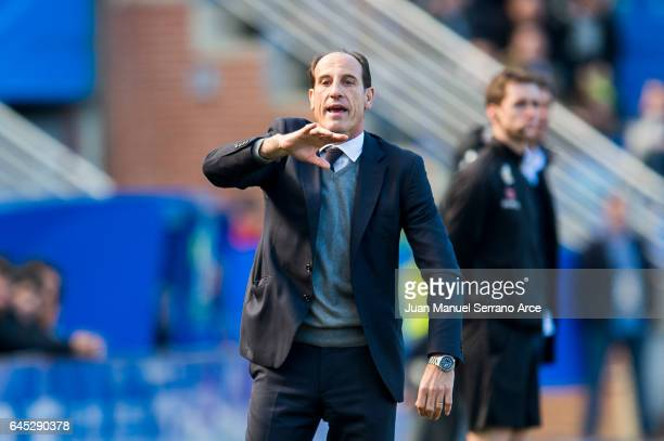 Head coach Salvador Gonzalez 'Voro' of Valencia CF reacts during the La Liga match between Deportivo Alaves and Valencia CF at Mendizorroza stadium...