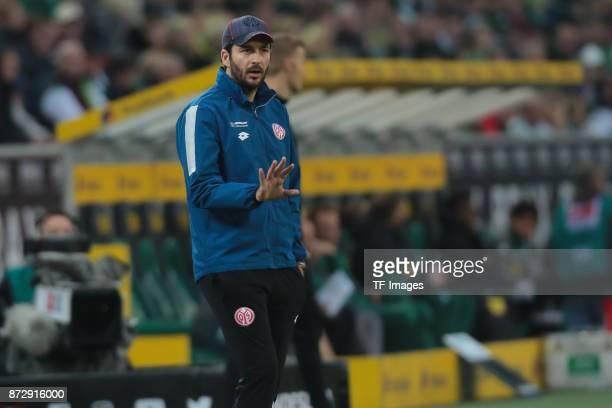 Head coach Sandro Schwarz of FSV Mainz 05 gestures during the Bundesliga match between Borussia Moenchengladbach and 1 FSV Mainz 05 at BorussiaPark...