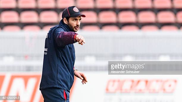 Head coach Sandro Schwarz of Mainz 05 reacts during the Third League match between 1 FSV Mainz 05 II and SG Sonnenhof Grossaspach at Bruchweg Stadium...