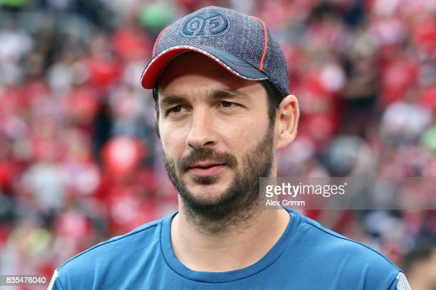 Head coach Sandro Schwarz of Mainz looks on prior to the Bundesliga match between 1 FSV Mainz 05 and Hannover 96 at Opel Arena on August 19 2017 in...