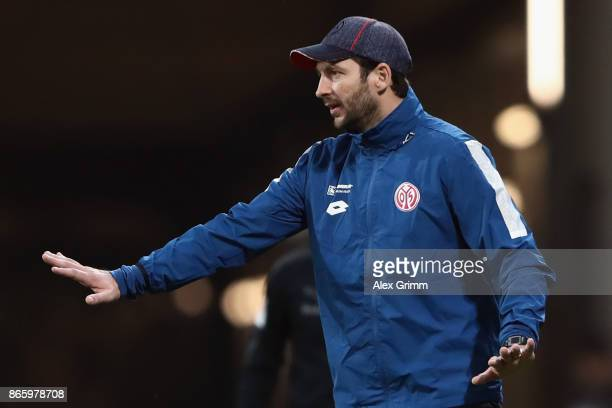 Head coach Sandro Schwarz of Mainz reacts during the DFB Cup match between 1 FSV Mainz 05 and Holstein Kiel at Opel Arena on October 24 2017 in Mainz...
