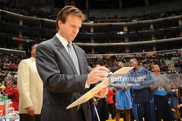 Head Coach Scott Brooks of the Oklahoma City Thunder draws up a play before a game against the Los Angeles Lakers at Staples Center on February 10...