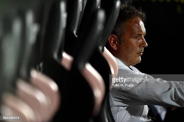 Head coach Sinisa Mihajlovic of Sampdoria looks on during the Serie A match between US Citta di Palermo and UC Sampdoria at Stadio Renzo Barbera on...