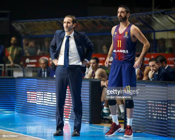 Head coach Sito Alonso and Juan Carlos Navarro of Barcelona look on during the 2017/2018 Turkish Airlines EuroLeague Regular Season game between...