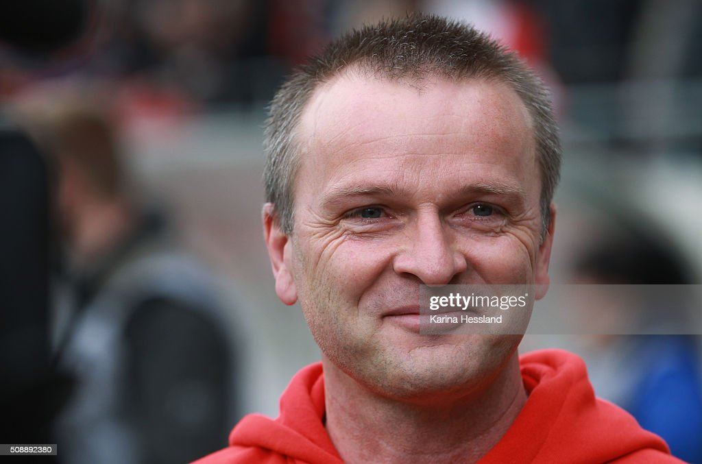 Head coach <a gi-track='captionPersonalityLinkClicked' href=/galleries/search?phrase=Stefan+Boeger&family=editorial&specificpeople=796201 ng-click='$event.stopPropagation()'>Stefan Boeger</a> of Halle looks on during the Third League match between Hallescher FC and SG Dynamo Dresden at erdgas Sportpark on February 07, 2016 in Halle, Germany.