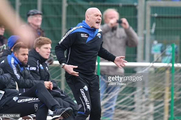 Head coach Stefan Emmerling of Paderborn gestures during the 3 Liga match between Werder Bremen II and SC Paderborn at Weserstadionon February 18...