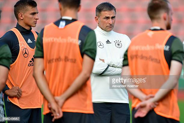 Head coach Stefan Kuntz during the German U21 public training session at Auestadion on August 31 2016 in Kassel Germany The German U21 team will...