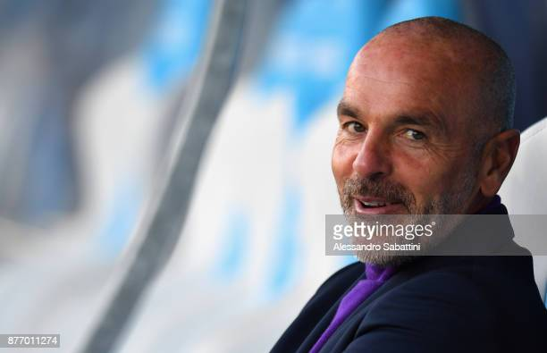 head coach Stefano Pioli of ACF Fiorentina looks on before the Serie A match between Spal and ACF Fiorentina at Stadio Paolo Mazza on November 19...