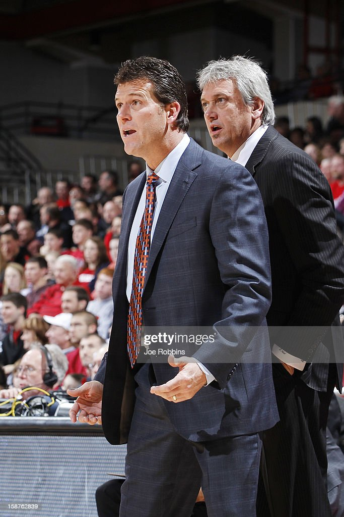 Head coach <a gi-track='captionPersonalityLinkClicked' href=/galleries/search?phrase=Steve+Alford&family=editorial&specificpeople=233486 ng-click='$event.stopPropagation()'>Steve Alford</a> of the New Mexico Lobos looks on against the Cincinnati Bearcats during the game at Fifth Third Arena on December 27, 2012 in Cincinnati, Ohio. New Mexico won 55-54.