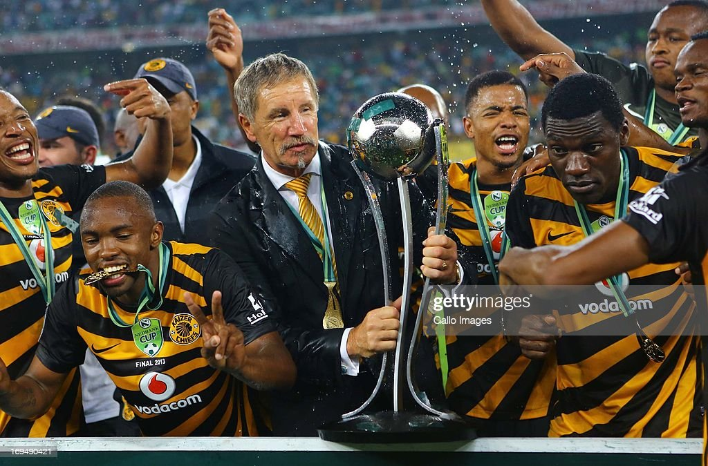 Head coach Stuart Baxter of the Chiefs celebrates with throphy and his players after the Nedbank Cup Final between SuperSport United and Kaizer...