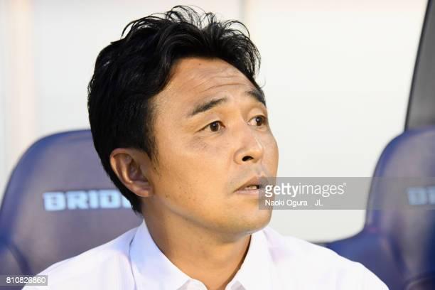 Head coach Tatsuma Yoshida of Ventforet Kofu looks on prior to the JLeague J1 match between Jubilo Iwata and Ventforet Kofu at Yamaha Stadium on July...