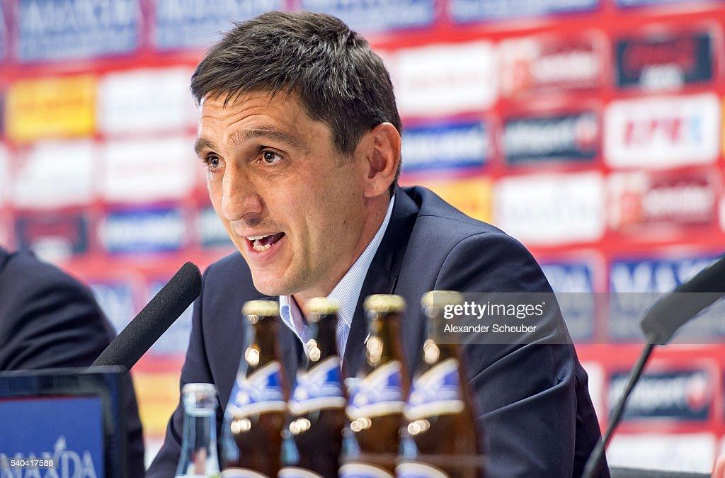 1. FC Kaiserslautern Unveils New Head Coach Tayfun Korkut