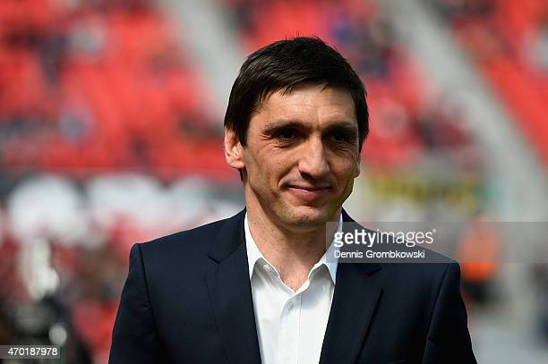Head coach Tayfun Korkut of Hannover 96 looks on prior to kickoff during the Bundesliga match between Bayer 04 Leverkusen and Hannover 96 at BayArena...