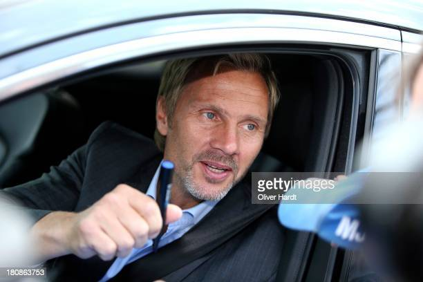 Head coach Thorsten Finks leaves after his suspension the Imtech Arena on September 17 2013 in Hamburg Germany