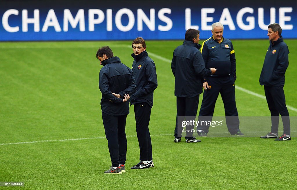 Head coach Tito Vilanova (2L) looks on during a FC Barcelona training session ahead of their UEFA Champions League Semi Final first leg match against FC Bayern Muenchen on April 22, 2013 in Munich, Germany.