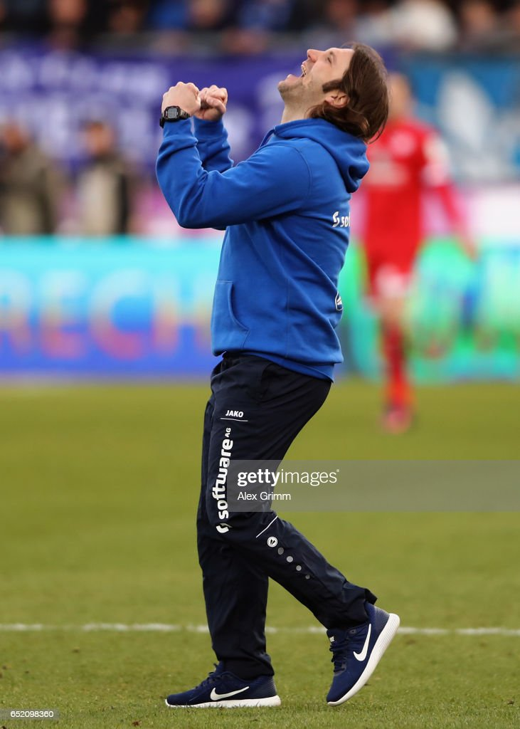 Head coach Torsten Frings of Darmstadt celebrates after the Bundesliga match between SV Darmstadt 98 and 1. FSV Mainz 05 at Jonathan-Heimes-Stadion am Boellenfalltor on March 11, 2017 in Darmstadt, Germany.