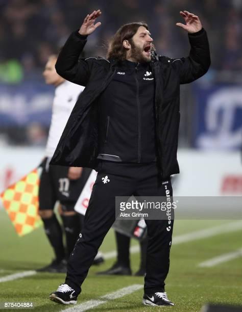 Head coach Torsten Frings of Darmstadt reacts during the Second Bundesliga match between SV Darmstadt 98 and SV Sandhausen at JonathanHeimesStadion...