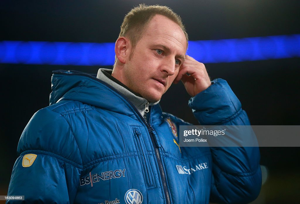 Head coach Torsten Lieberknecht of Braunschweig gestures prior to the Second Bundesliga match between MSV Duisburg and Eintracht Braunschweig at Schauinsland-Reisen-Arena on March 4, 2013 in Duisburg, Germany.