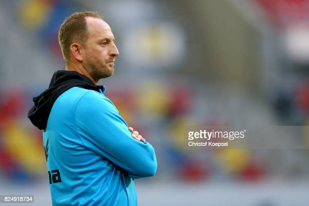 Head coach Torsten Lieberknecht of Braunschweig looks on prior to the Second Bundesliga match between Fortuna Duesseldorf and Eintracht Braunschweig...