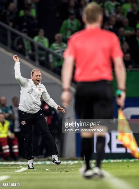 Head coach Torsten Lieberknecht of Eintracht Brauschweig reacts during the Bundesliga Playoff Leg 1 match between VfL Wolfsburg and Eintracht...