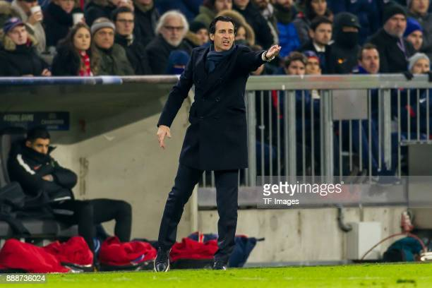 Head coach Unai Emery of Paris SaintGermain gestures during the UEFA Champions League group B match between Bayern Muenchen and Paris SaintGermain at...