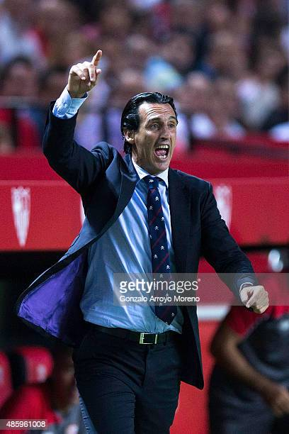 Head coach Unai Emery of Sevilla FC gives instructions during the La Liga match between Sevilla FC and Club Atletico de Madrid at Estadio Ramon...