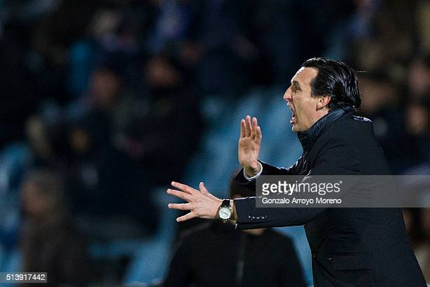 Head coach Unai Emery of Sevilla FC gives instructions during the La Liga match between Getafe CF and Sevilla CF at Coliseum Alfonso Perez on March 5...