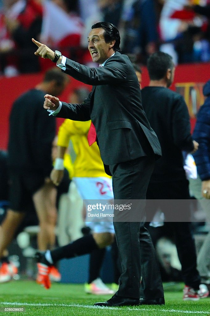 Head coach Unai Emery of Sevilla FC reacts during the UEFA Europa League Semi Final second leg match between Sevilla and Shakhtar Donetsk at Estadio Ramon Sanchez-Pizjuan on May 05, 2016 in Seville, Spain.