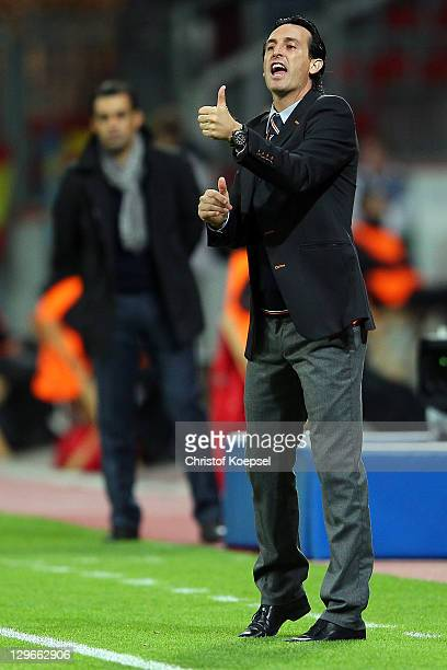 Head coach Unai Emery of Valencia issues instructions during the UEFA Champions League group E match between Bayer 04 Leverkusen and CF Valencia at...