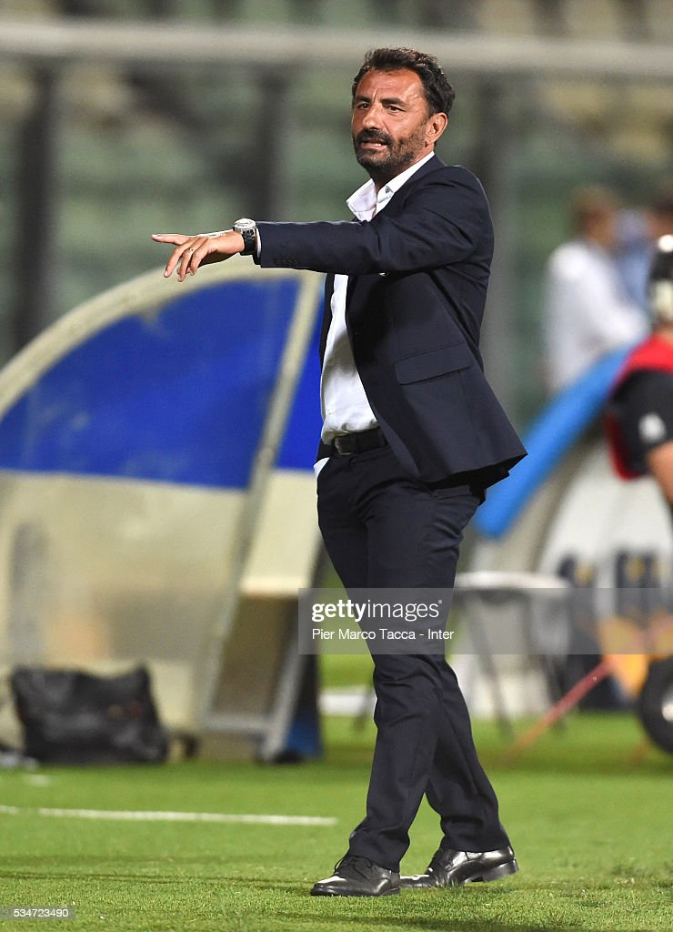 Head Coach US Città di Palermo Giovanni Bosi looks during the juvenile playoff match between FC Internazionale and US Citta di Palermo on May 27, 2016 in Modena, Italy.