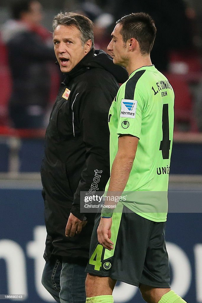 Head coach Uwe Neuhaus shouts at Roberto Punec of Union Berlin after the Second Bundesliga match between 1. FC Koeln and 1. FC Union Berlin at RheinEnergieStadion on November 4, 2013 in Cologne, Germany. The match between Koeln and Union Berlin ended 4-0.