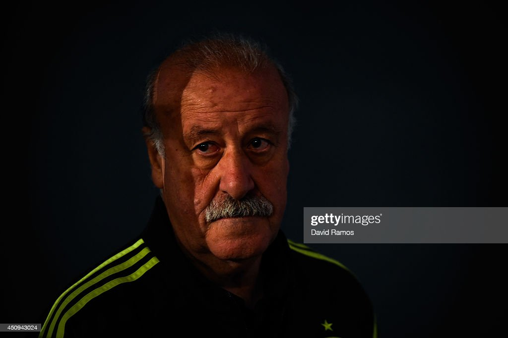 Head coach Vicente Del Bosque of Spain arrives for a Spain press conference at Centro de Entrenamiento do Caju on June 20, 2014 in Curitiba, Brazil.