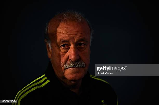 Head coach Vicente Del Bosque of Spain arrives for a Spain press conference at Centro de Entrenamiento do Caju on June 20 2014 in Curitiba Brazil