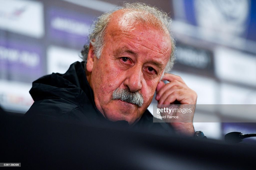 Head coach Vicente Del Bosque of Spain faces the media during a press conference before a training session at the Red Bull Arena stadium on May 31, 2016 in Salzburg, Austria.