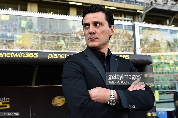 Head coach Vincenzo Montella of Milan looks on during the Serie A match between US Citta di Palermo and AC Milan at Stadio Renzo Barbera on November...