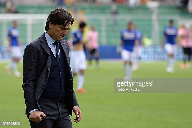 Head coach Vincenzo Montella of Sampdoria looks on during the Serie A match between US Citta di Palermo and UC Sampdoria at Stadio Renzo Barbera on...