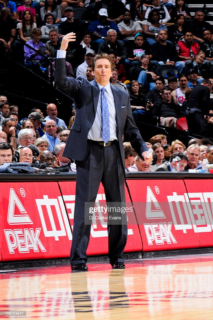 Head Coach Vinny Del Negro of the Los Angeles Clippers directs his team against the San Antonio Spurs on November 19, 2012 at the AT&T Center in San Antonio, Texas.