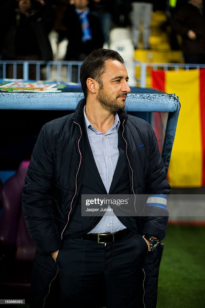 Head coach Vitor Pereira of FC Porto looks on prior to the start of the UEFA Champions League Round of 16 second leg match between Malaga CF and FC Porto at La Rosaleda Stadium on March 13, 2013 in Malaga, Spain.