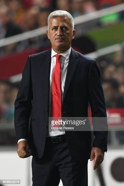 Head coach Vladimir Petkovic of Switzerland looks on during the FIFA 2018 World Cup Qualifier between Portugal and Switzerland at the Luz Stadium on...