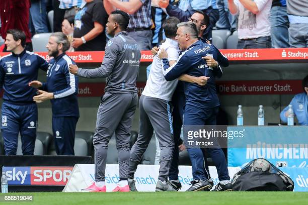 Head coach Vítor Pereira of 1860 Munich celebrate a goal during the Second Bundesliga match between TSV 1860 Muenchen and VfL Bochum at Allianz Arena...