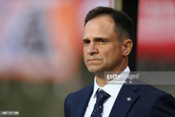 Head coach Wagner Lopes of Albirex Niigata looks on prior to the JLeague J1 match between Albirex Niigata and Omiya Ardija at Denka Big Swan Stadium...