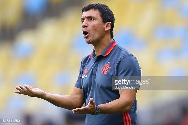 Head coach Ze Ricardo of Flamengo gestures during a match between Flamengo and Corinthians as part of Brasileirao Series A 2016 at Maracana stadium...