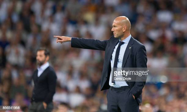 Head coach Zinedine Zidane of Real Madrid CF gives instructions during the La Liga match between Real Madrid and Espanyol at Estadio Santiago...