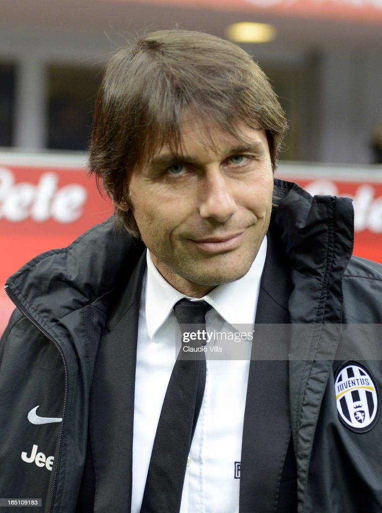 Head coch Juventus FC Antonio Conte looks during the Serie A match between FC Internazionale Milano and Juventus FC at San Siro Stadium on March 30, 2013 in Milan, Italy.