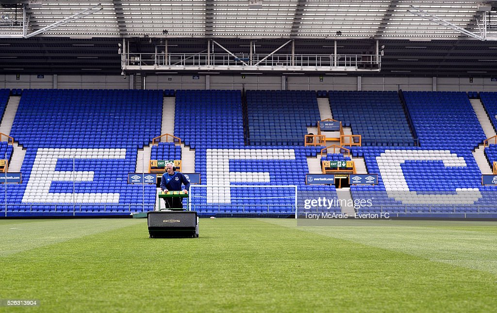Head Groundsman Bob Lennon pprepares the pitch before the Barclays Premier League match between Everton and A.F.C. Bournemouth at Goodison Park on April 30, 2016 in Liverpool, England.