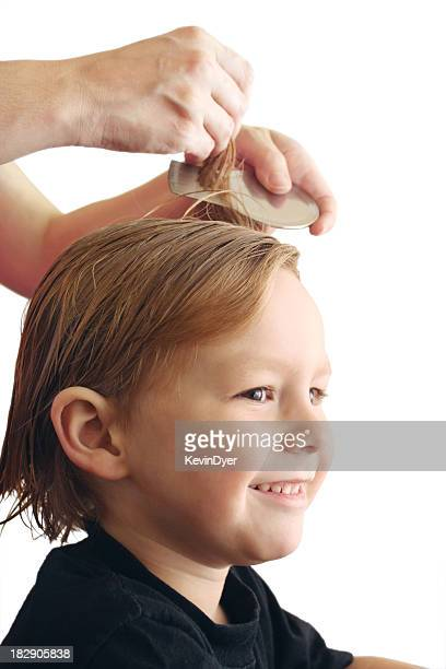 Piojo de la cabeza tratamiento aislado sobre fondo blanco