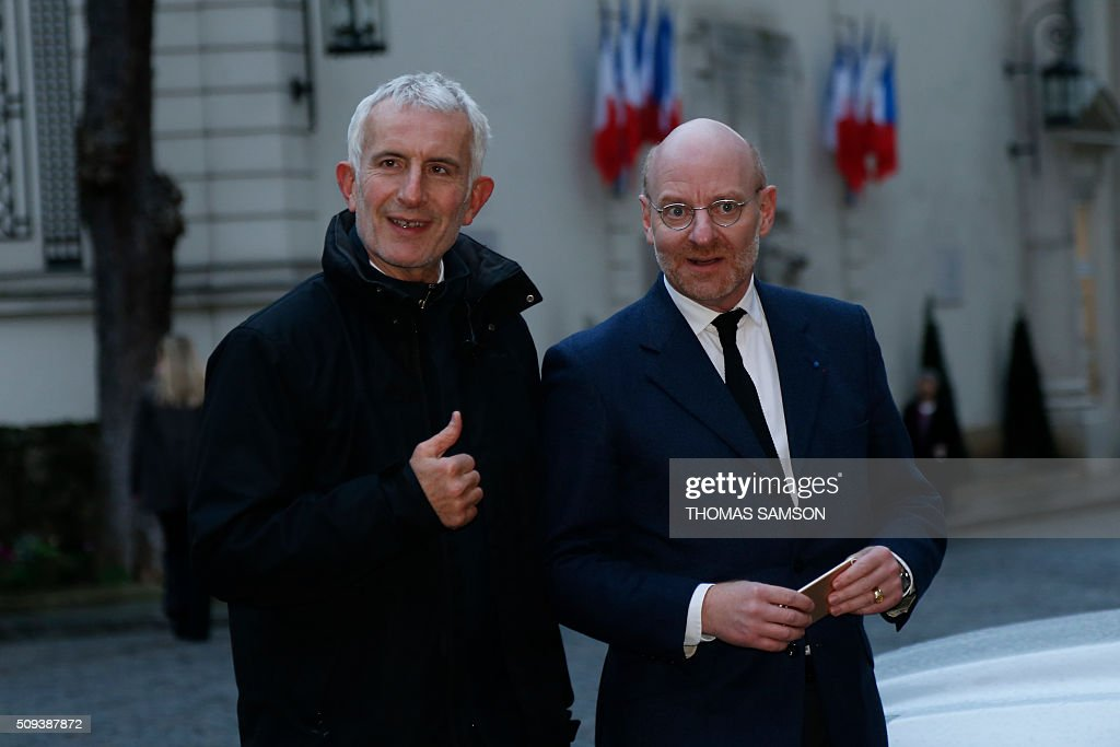 Head of French state owned railway company sncf Guillaume Pepy ( L) and SNCF general secretary Stephane Volant (R) arrive for a special meeting of the Public Transport National Security Committee on the Ile-de -France region at the Hotel Beauvau in Paris, on February 10, 2016. AFP PHOTO / THOMAS SAMSON / AFP / THOMAS SAMSON