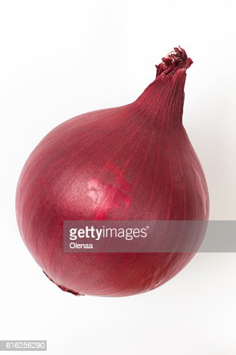 head of red onion on a white background : Foto de stock
